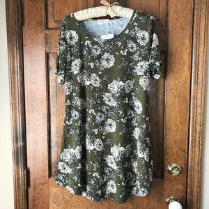 Faddare Olive w/Ivory Flowers Dress Large